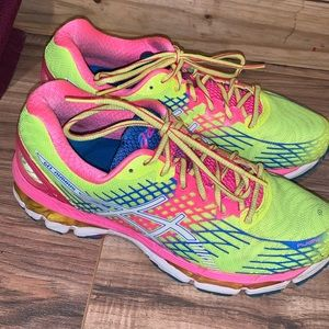 Women's ASICS  Gel-Nimbus Athletic Shoes Size 9